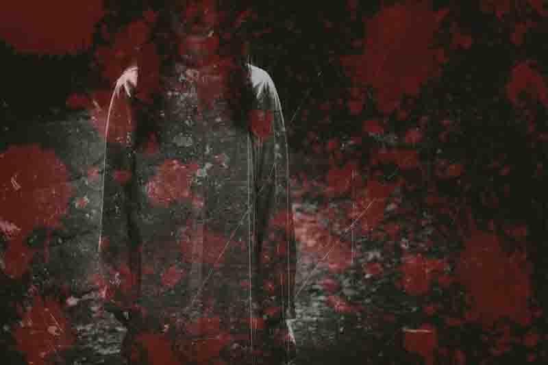 丸山ダム心霊スポットの心霊写真女と血