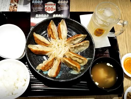 浜松駅前で食べる餃子