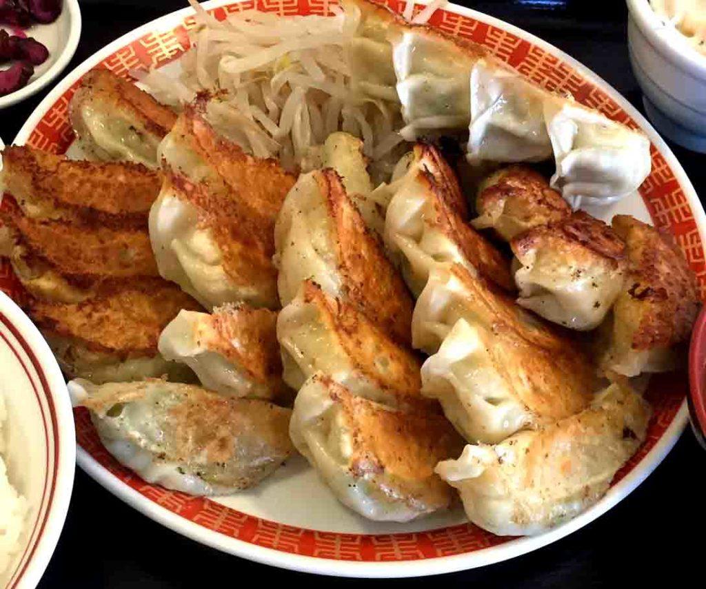 浜松餃子の小白美味しい