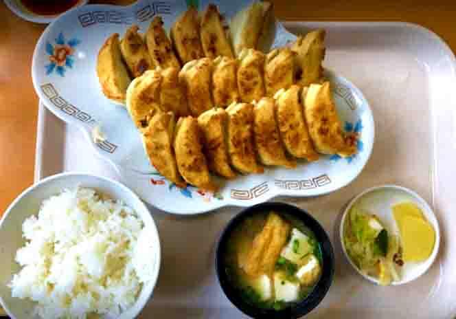 駅近くの美味しい餃子専門店